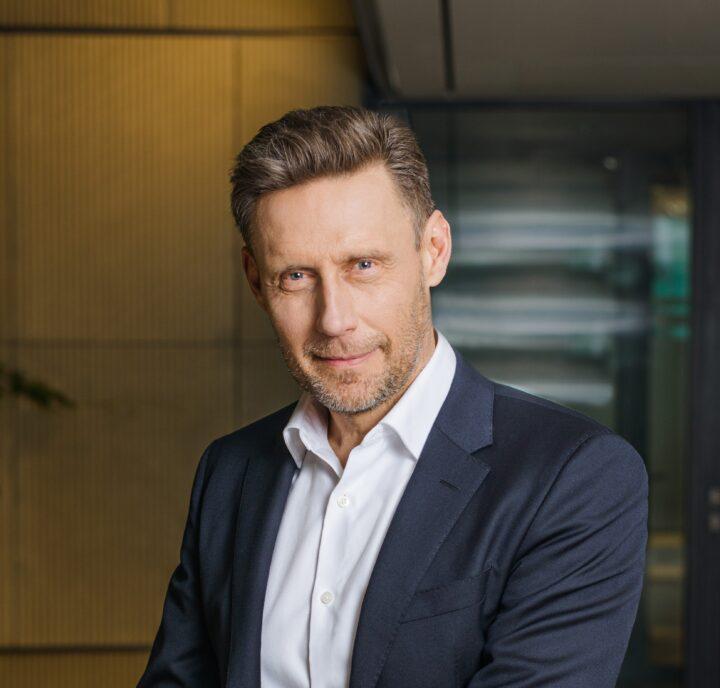 End harassment of Michał Romanowski